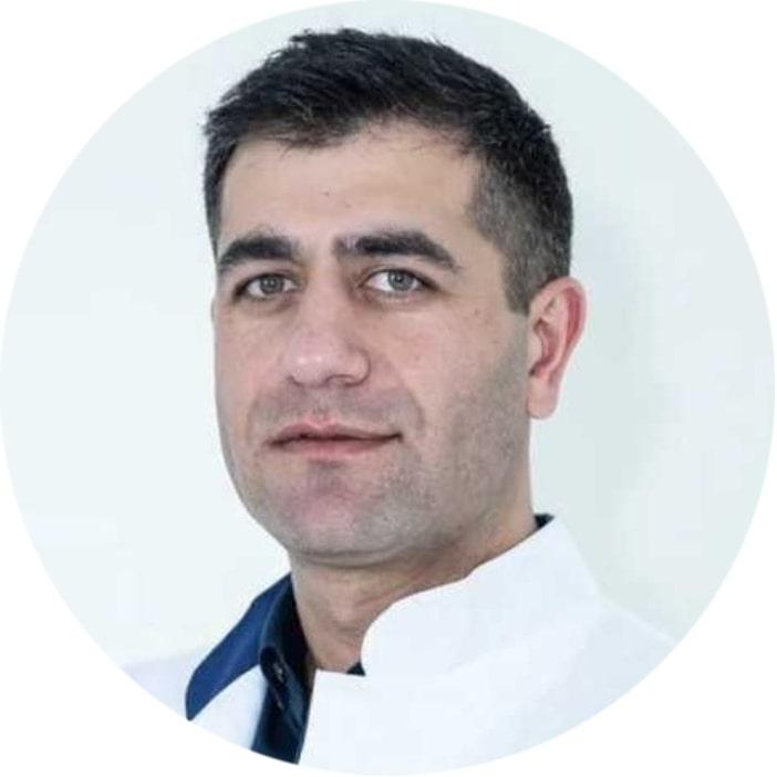 Ведущий специалист врач-ортопед медицинского центра ГарантКлиник по лазерной операции Hallus Valgus/Халюс Вальгус в Москве по лучшей цене