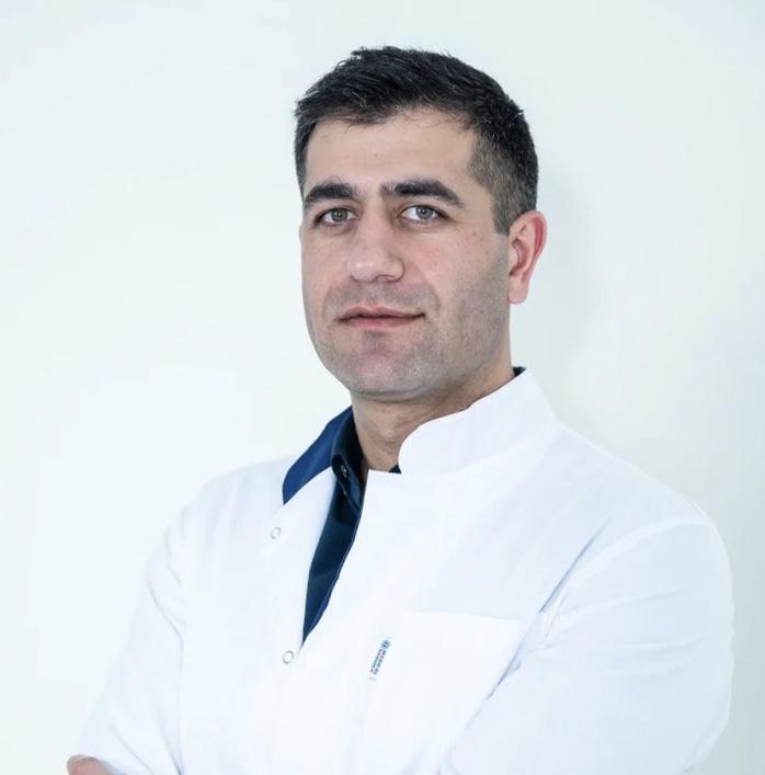 Степанян Рубен Вачаганович ортопед травмотолог хирург кандидат медицинских наук работает в ГарантКлиник на базе ПМГМУ имени Сеченова.