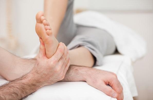 Лечение фольгой косточек и шишек на ногах как происходит в домашних условиях.