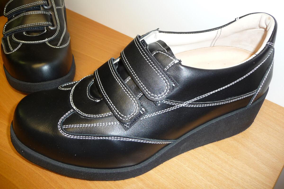 Российская обувь для профилактики воспаления вальгуса после опреации.